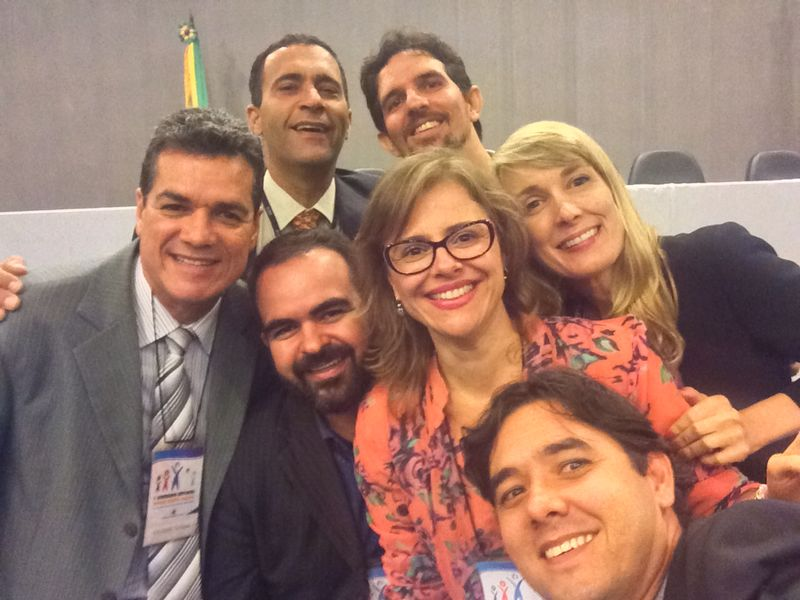 Selfie feita por Ícaro, um dos organizadores do evento, com os palestrantes.
